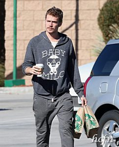 Hayden Christensen makes a pitstop at Starbucks before family road trip.
